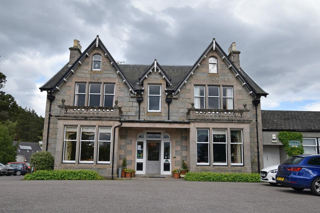 Mountview Hotel, Scotland, Scottish Highlands, Scottish Islands, Scotland Birding Tour, Scotland Nature Tour, Naturalist Journeys